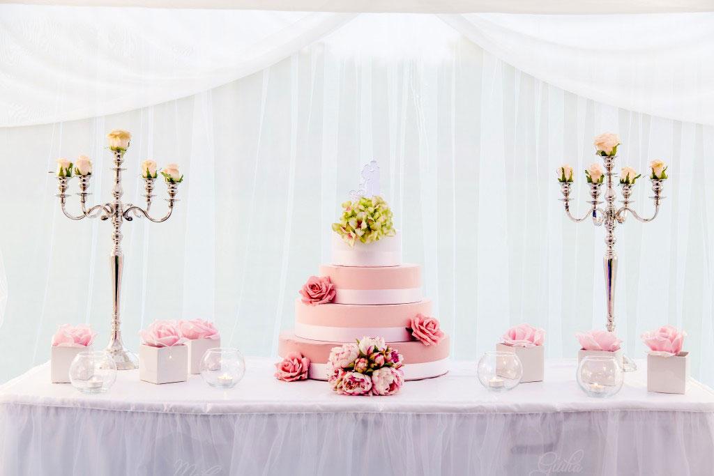 The Wedding Corner - Il taglio della torta