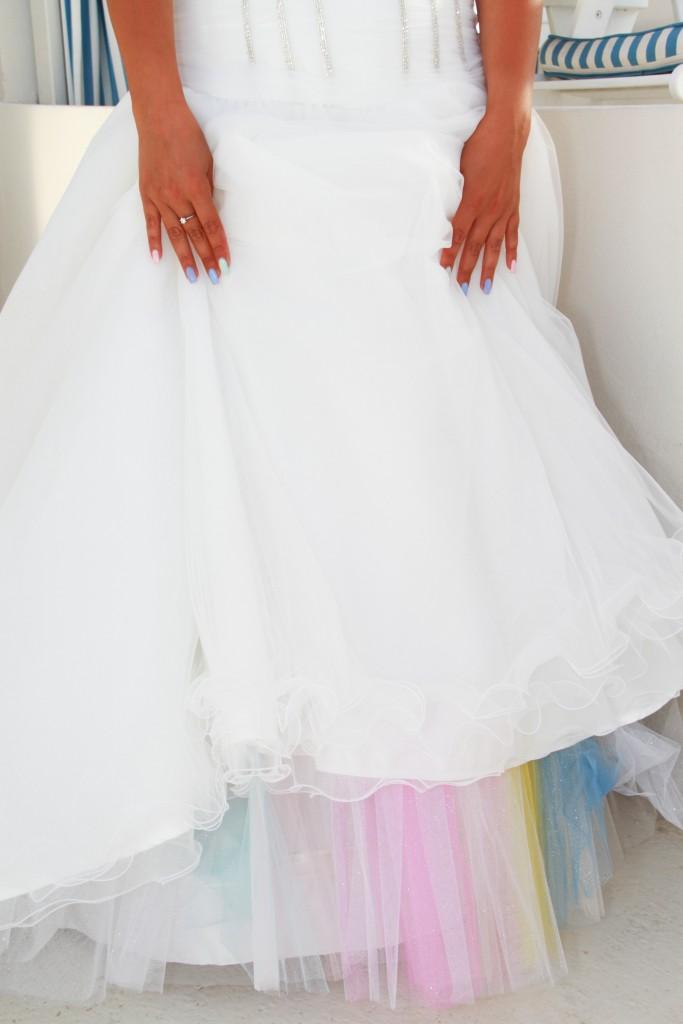Rainbow wedding sposarsi a santorini
